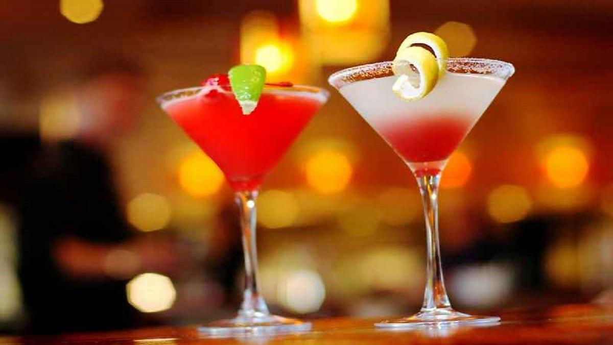 Các loại cocktail dễ làm tại nhà chiêu đãi bạn bè cực chill