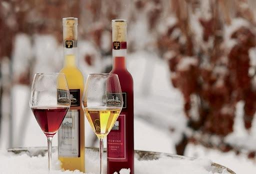 Rượu vang tuyết là gì? Mua rượu vang tuyết ở đâu?